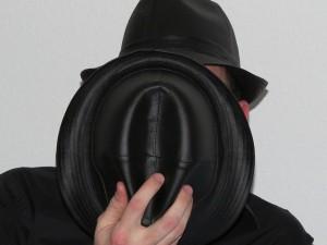 Homme caché